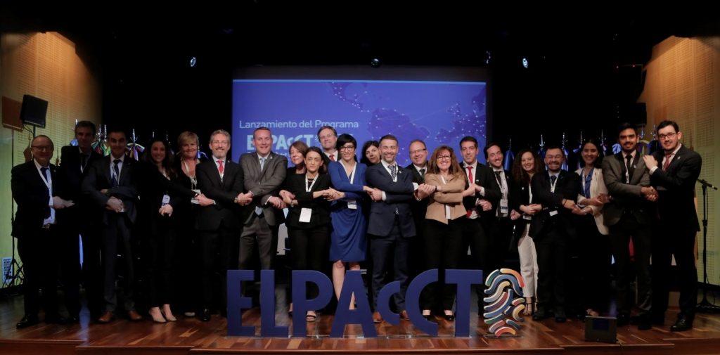 Foto de grupo EL PAcCTO