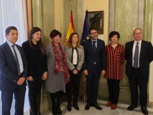 Foto de familia con el secretario de Estado de Justicia