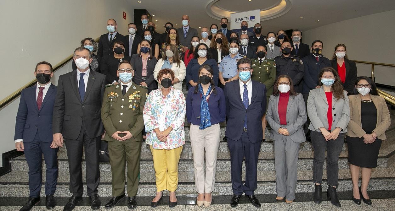 (Español) 14 países de América Latina y la Unión Europea exploran nuevos métodos de trabajo para enfrentar la trata de personas